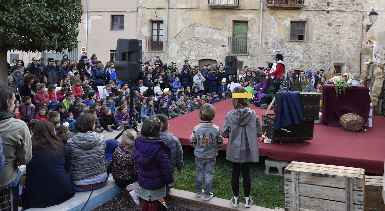 """""""Sant Jordi, la princesa, la Rosa i el Drac"""" a la vila del llibre de Montblanc"""